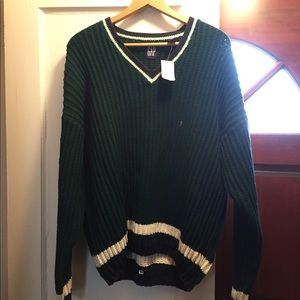 NWT Gap sweater in size Large.
